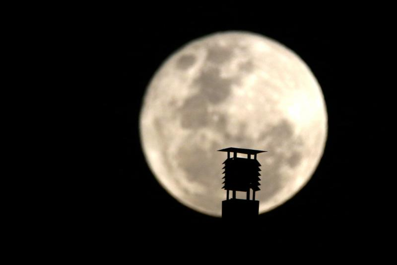 luna-lunes7