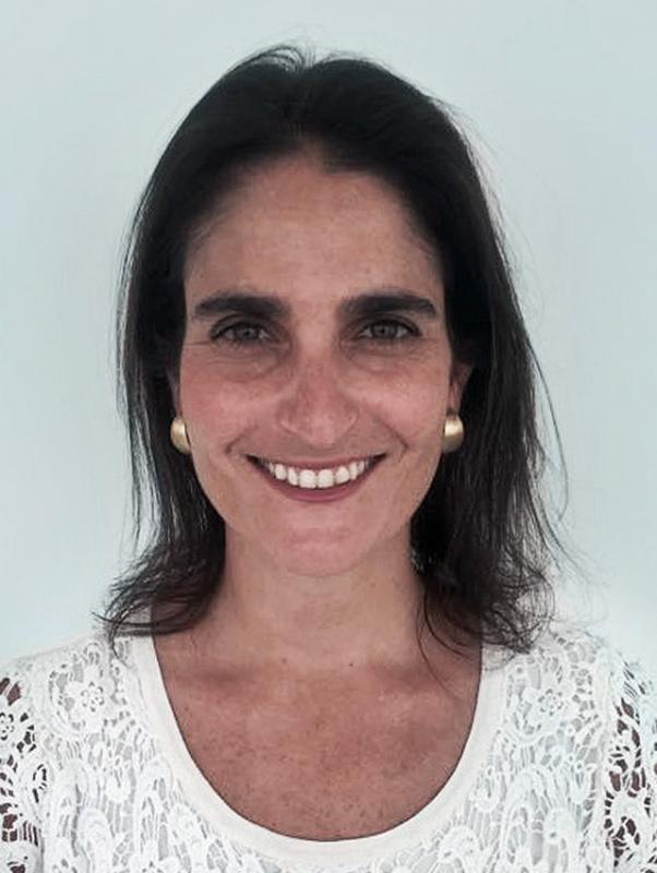 21 María Jose Zaldivar Larraín