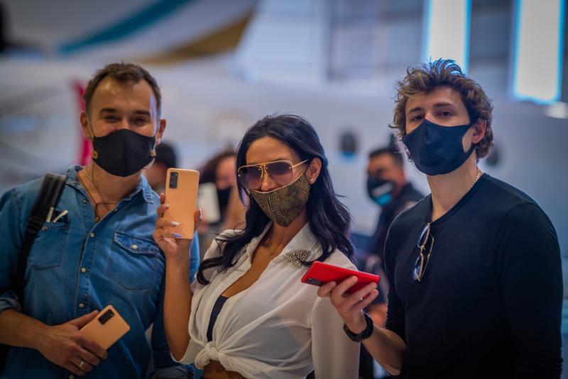 2_Jordi Castell, Pamela Díaz y Joaquín Méndez - Avión #S20FanEclipse